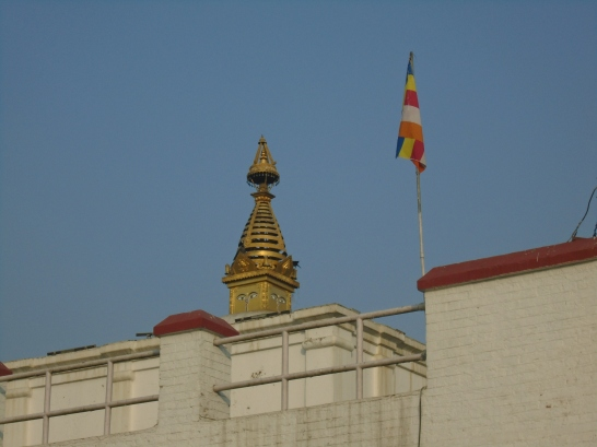 Estupa que corona el templo de Maya Devi